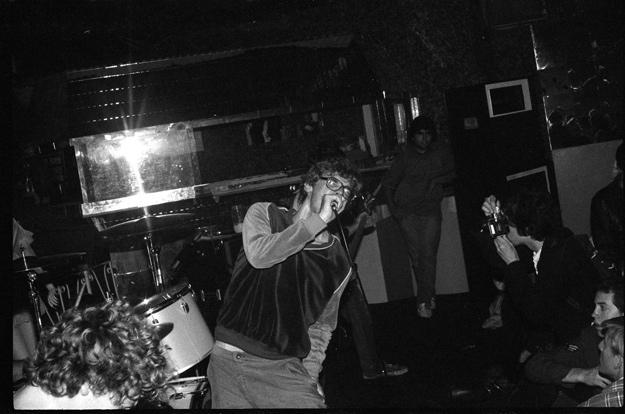 Glen E. Friedman fotografiando a Descendents en 1982.